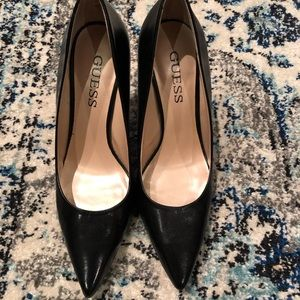 GUESS black high heels leather pumps size 8